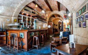 LOCAL-Restaurante-LA-ENCINA-tapa-solidaria-almeria-los-cazadores-de-sonrisas
