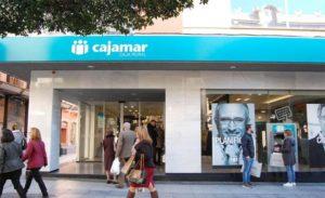 cajamar colabora con la tapasolidaria de almeria
