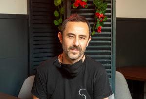 Javier, chef y propietario de salitre bar de vinos