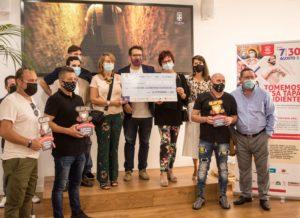 entrega cheque donación v tapa solidaria almeria